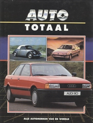 Boek 'Auto Totaal'.